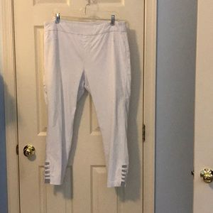 White soft surroundings ankle length pants, PXL